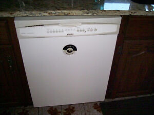 Kenmore Dishwasher - Excellent Condition