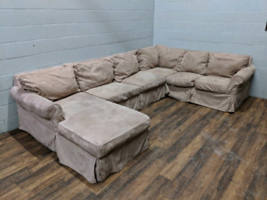 Rowe U-Shaped Sectional w/ pull-out Bed. FREE DELIVERY