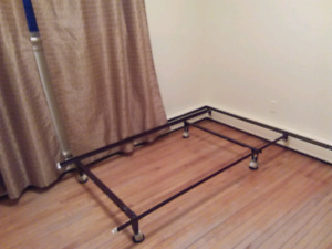 Single bed frame and mattress set