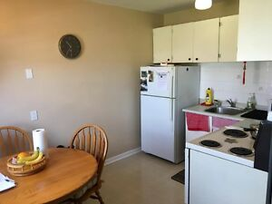 Room for Rent in Two bedroom apart. BRANT STREET