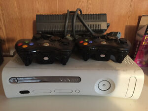 Mint condition Xbox 360 Kitchener / Waterloo Kitchener Area image 1