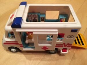 Wow ambulance (toy) - all parts