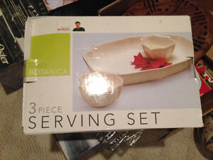 3 piece serving set - brand new in the box