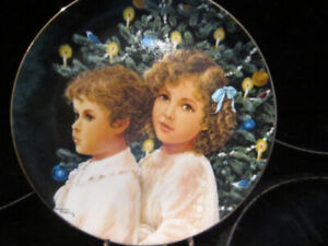 """Collector Plate  """"TRADITIONS"""" by Dorothy Francis"""