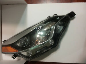 2014 - 2017 TOYOTA COROLLA and RAV4 right side OEM headlight.