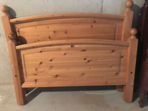 Wooden single bed frames/mattresses/chest of drawers
