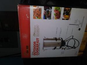 Outdoor cooker