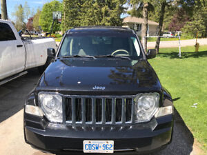 2008 Jeep Liberty SUV, Crossover