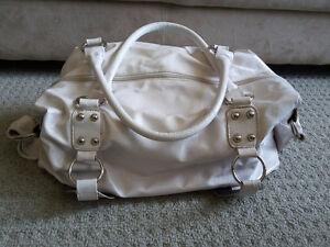 Women's white handbag shoulder bag purse London Ontario image 8