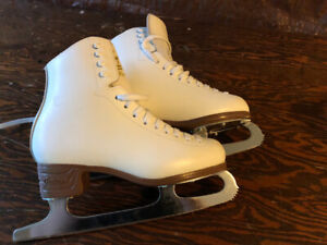 Figure skates ladies size 5C