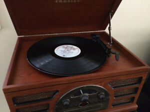 Solid wood like new portable turntable record player cd radio
