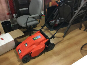 Black and Decker battery operated lawn mower