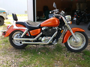 2003 HONDA SHADOW VT 1100