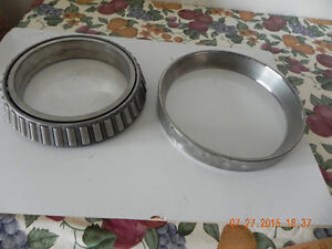 2 Bearings ( reduced to $20.) West Island Greater Montréal image 6