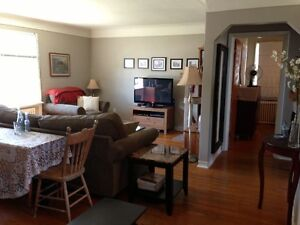 FRESHLY PAINTED TWO BEDROOM,NEAR LINC/REDHILL,QUIET BLDG...