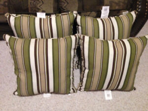 4 outdoor cushions
