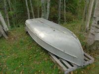 14 foot shallow draft aluminum boat