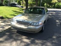 Lincoln Town car 2010 NOT COMMERCIAL