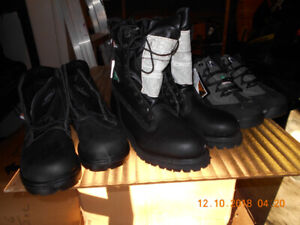 NEW MEN'S SIZE 7.5 SAFETY CSA STEEL TOE WORK BOOTS + SHOES $50