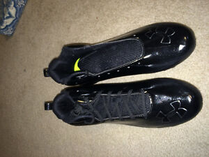 New Underarmour football cleats size 11