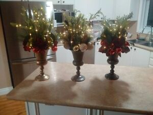26 christmas urns with battery lights for Weddings or partys