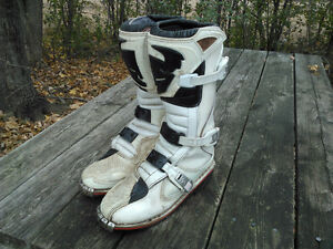 Thor  Motocross Boots * Incredible Deal *