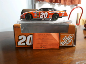 Signed 1:24 scale Tony Stewart, Home Depot diecast car