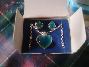 avon sterling silver cats eye heart birthstone gift set for dec
