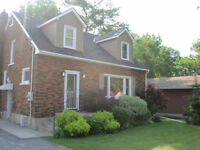3 Bedroom GORGEOUSLY RENOVATED two storey in duplex by Dewes