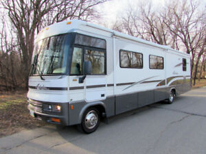 Class A - Winnebago 35U Motorhome - For RENT / For SALE