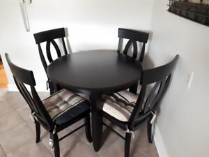 Canadel Dining Table And 4 Chairs