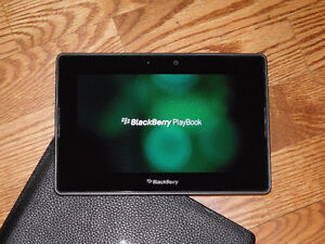 Blackberry Playbook with 16gb memory, USB Cable and leather case