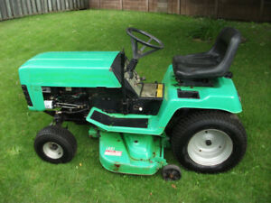 "Lawnboy 14hp 42"" Lawn tractor"