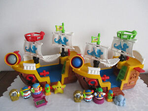 Bateau  Little  People  Sonore 5 Figurines  Complet  $24Chaque