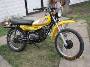 1977- DT100-D Collector Bike