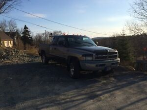 Parting Out a 1998 Dodge Ram 4X4