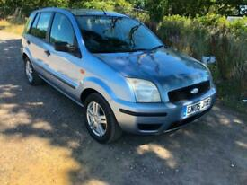 Ford Fusion 2 1.6 Petrol. 2005 5 door hatchback Immaculate