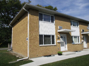CONVENIENTLY LOCATED, MOVE-IN READY, END UNIT TOWNHOUSE