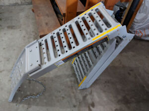 Larin ATV Ramps Fold-able. 2500lb/ramp. Set of two. Like new.