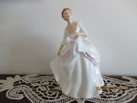 ROYAL DOULTON FIGURINE CAROL HN 2961 made ENGLAND