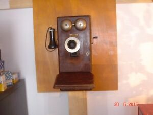 Northern Electric Co. - Walll Phone