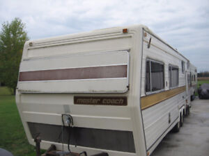1978 29 ft Master Coach trailer