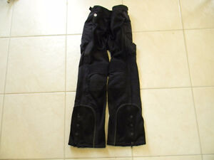Ladies Joe Rocket motorcycle pants. Size Medium
