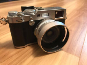 Mint condition Fuji X100F with extra accessories