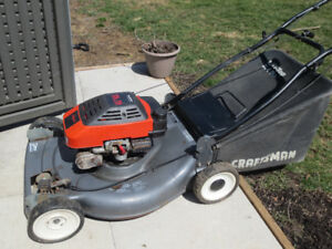 Self Propelled Craftsman Lawnmower With Rear Bag