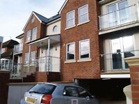 2 bedroom flat in Finchley Lane, Hendon, NW4