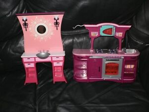 Barbie Dolls and Accessories (Gently Used) London Ontario image 4