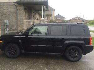 2007 Jeep Patriot 4x4 certified!