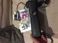 Xbox 360 250gb + 1 Controller + Fifa16 + Call of Duty *2