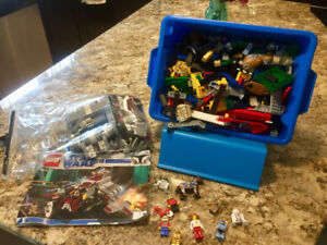Lot of free play Lego and Star Wars Set